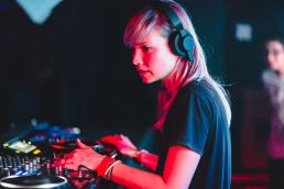 btraits_snowbombing_201408_website_image_phct_standard